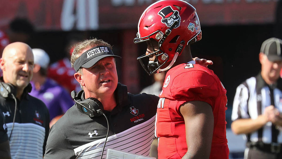 Austin Peay Football rallies in the 3rd quarter to take a 13-10 lead on Central Arkansas Saturday. Govs came up short in the 4th to lose 24-16. (Robert Smith, APSU Sports Information)