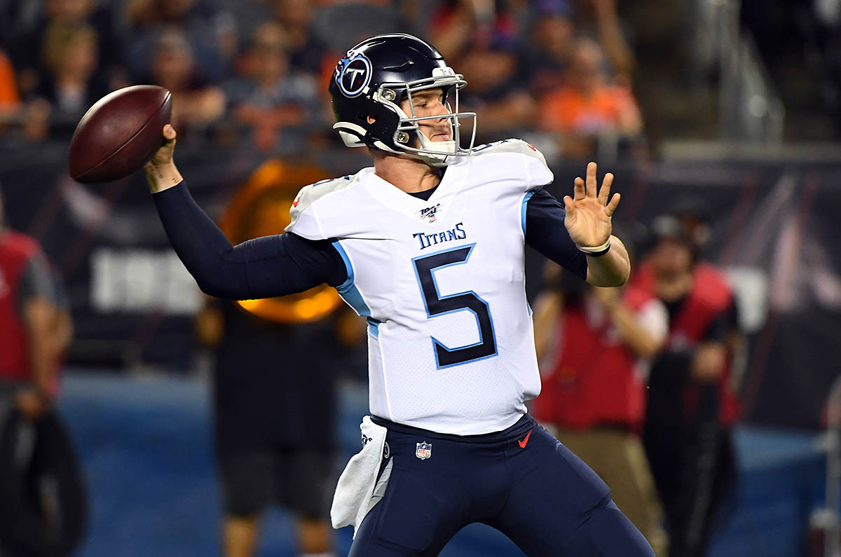 Tennessee Titans quarterback Logan Woodside (5) drops back to pass against the Chicago Bears during the first half at Soldier Field. (Mike DiNovo-USA TODAY Sports)