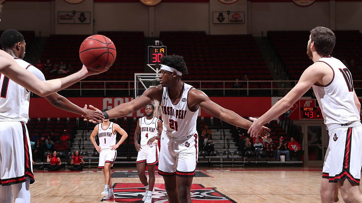 Austin Peay State University Men's Basketball junior Terry Taylor pours in 39 points to lead Govs past McKendree Tuesday night. (APSU Sports Information)