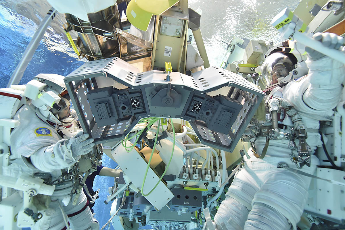 RiTS spacewalk install procedures being tested in the Neutral Buoyancy Lab at NASA's Johnson Space Center in Houston. (NASA)