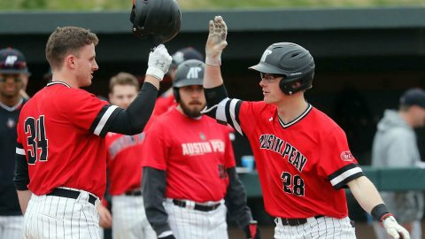 Austin Peay State University Baseball beats Jacksonville 11-7 Saturday to tie the series. (Robert Smith, APSU Sports Information)