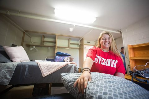 Austin Peay State University freshman moving onto campus. (APSU)