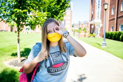 Austin Peay State University reminds everyone to keep socially distance and to wear face masks while moving onto campus. (APSU)