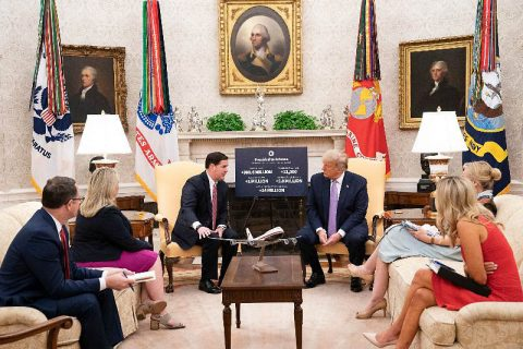 President Donald Trump meets with Arizona Governor Doug Ducey in the Oval Office. (White House)