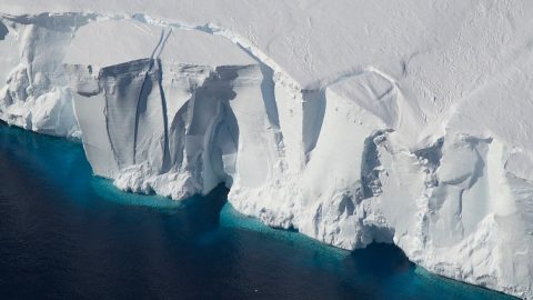 Ice shelves in Antarctica, such as the Getz Ice Shelf seen here, are sensitive to warming ocean temperatures. Ocean and atmospheric conditions are some of the drivers of ice sheet loss that scientists considered in a new study estimating additional global sea level rise by 2100. (Jeremy Harbeck/NASA)