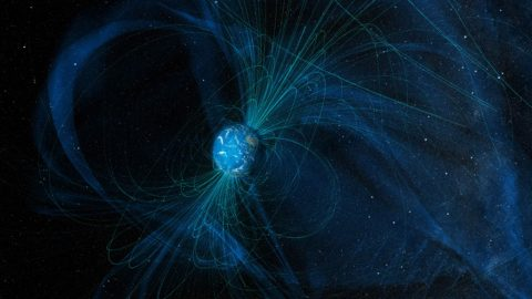 This illustration shows magnetic field lines that Earth generates today. The Moon no longer has a magnetic field. (NASA)