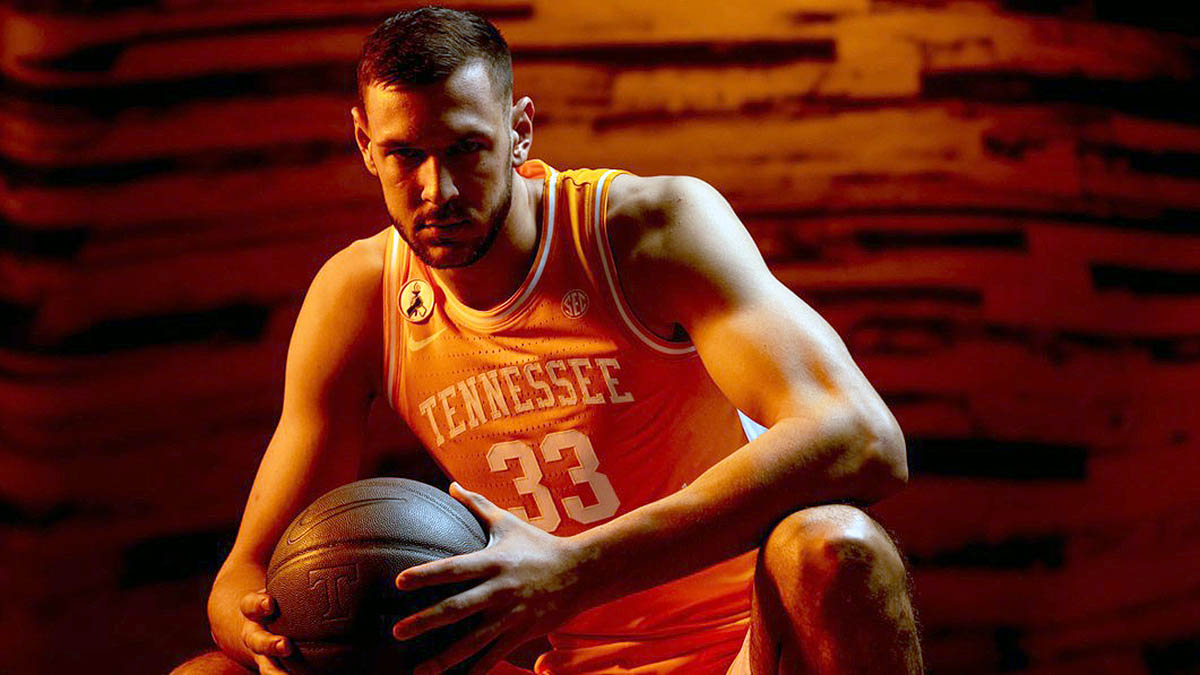 #10 Tennessee Men's Basketball to face Saint Joseph's in Monday night matchup at Thompson-Boling Arena. (UT Athletics)
