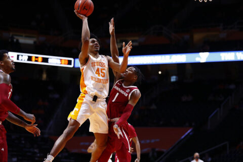 Tennessee Men's Basketball pulls out 79-74 win over Arkansas at Thompson-Boling Arena. (UT Athletics)