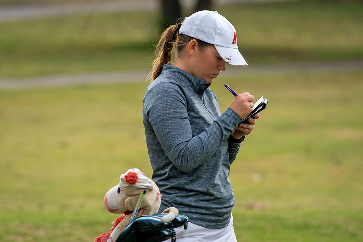 Austin Peay State University Women's Golf junior Shelby Darnell moves up the board at Bobby Nichols Intercollegiate, Monday. (APSU Sports Information)