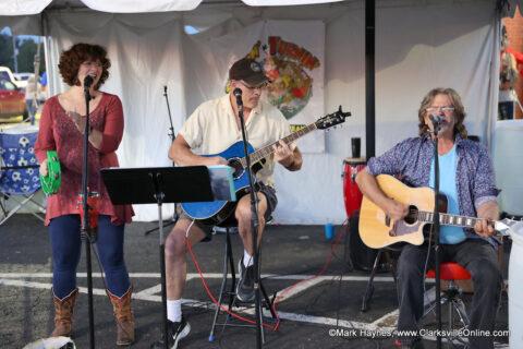 Lynn, Sam and Randy performing at the 2021 Dwayne Byard Memorial BBQ Cook-Off.