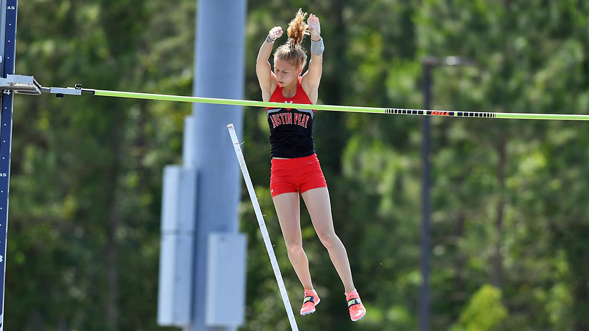 Austin Peay State University Softball Track and Field's Karlijn Schouten cleared 4.07 meter height—the fifth-highest in program history at 2021 NCAA East Preliminary. (APSU Sports Information)