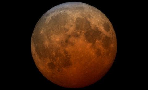 A telescopic visualization of the 2021 total lunar eclipse. (NASA's Scientifc Visualization Studio)