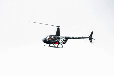 Austin Peay State University President Michael Licari and his special guest, F&M Bank President and CEO Sammy Stuard, flying into a ribbon-cutting ceremony. (APSU)