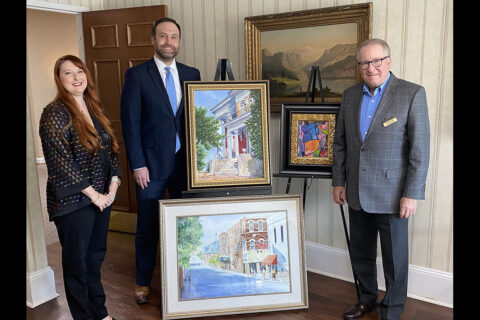 Reliant Bank Donates Original Pieces of Art to Customs House Museum and Cultural Center.
