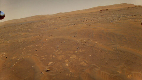 This image looking west toward the Séítah geologic unit on Mars was taken from the height of 33 feet (10 meters) by NASA's Ingenuity Mars helicopter during its sixth flight, on May 22, 2021. (NASA/JPL-Caltech)