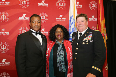 CW3 (R) Scott Schroeder (right) is honored during the Military Alumni Dinner. (APSU)