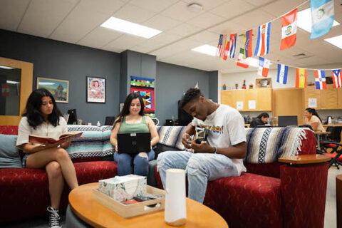 Austin Peay State University Latino Community Resource Center. (APSU)