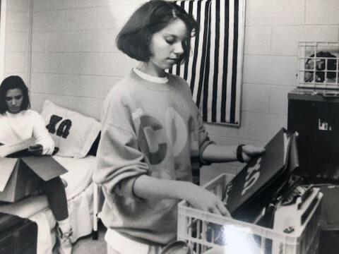 Austin Peay students unpack their rooms in 1991. (APSU)