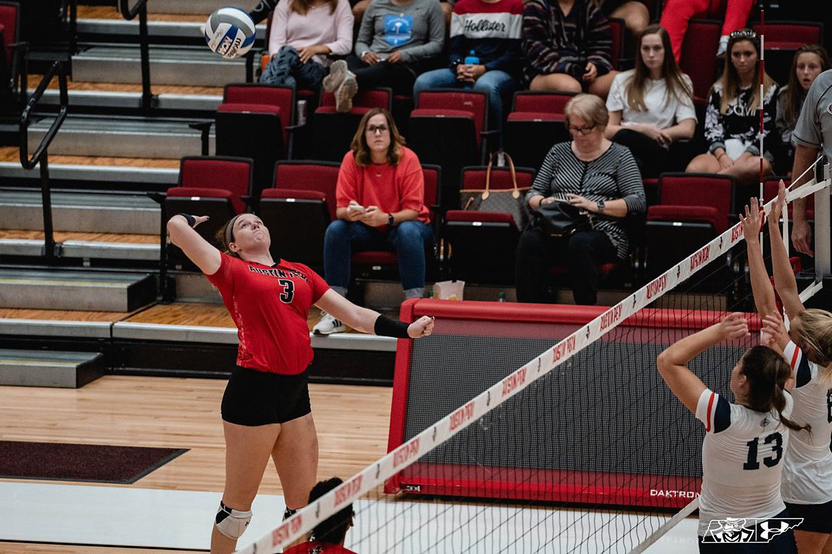 Austin Peay State University Women's Volleyball senior Brooke Moore has a season-high 22 kills in Govs win over SIU Edwardsville at the Dunn Center. (APSU Sports Information)