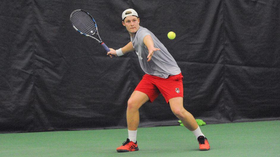 Austin Peay State University Men's Tennis' Oliver Andersson defeats Dayton's Georgi Macrodiev at ITA Ohio Valley Regionals. (APSU Sports Information)