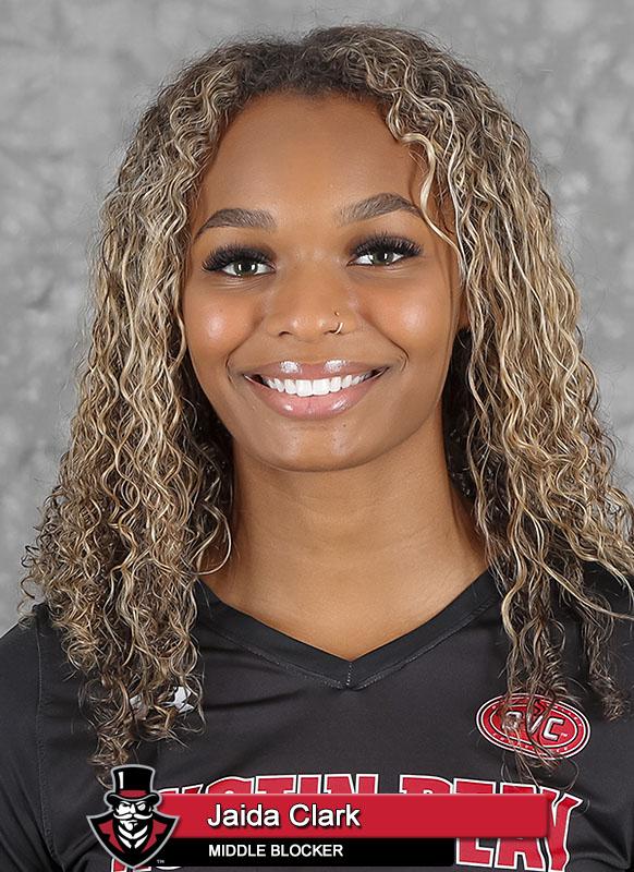 2021-22 APSU Volleyball - Jaida Clark. (Robert Smith, APSU Sports Information)