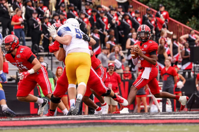 Austin Peay State University Football quarterback Draylen Ellis threw for 342 yards and 3 touchdowns in win over Morehead State at Fortera Stadium, Saturday. (Carder Henry, APSU Sports Information)