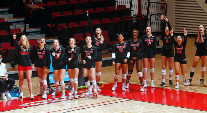 Austin Peay State University Women's Volleyball sweeps Morehead State behind stellar defensive performance. (Robert Smith, APSU Sports Information)