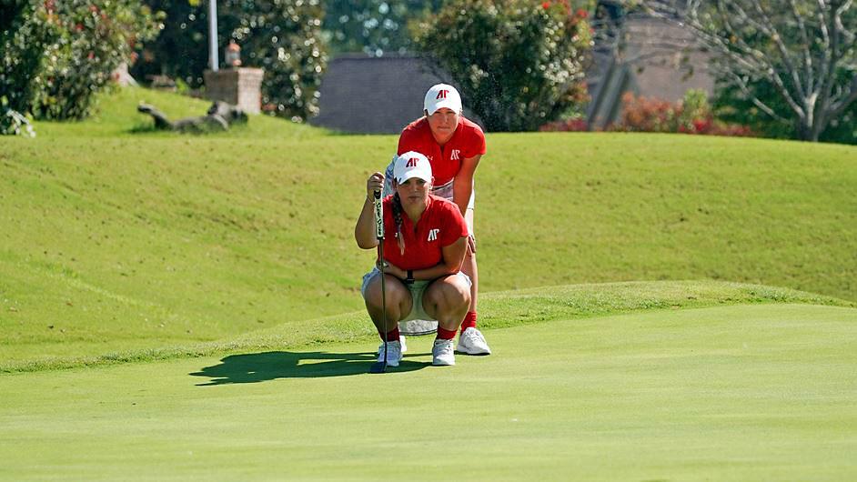 Austin Peay State University Women's Golf freshmen Erica Scutt, Kaley Campbell lead Govs into Butler Fall Invitational. (APSU Sports Information)