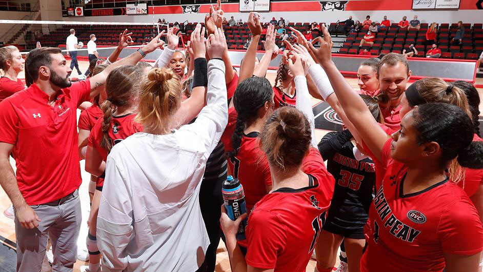 Austin Peay State University Women's Volleyball suffers first OVC loss of the season against Tennessee Tech. (Robert Smith, APSU Sports Information)