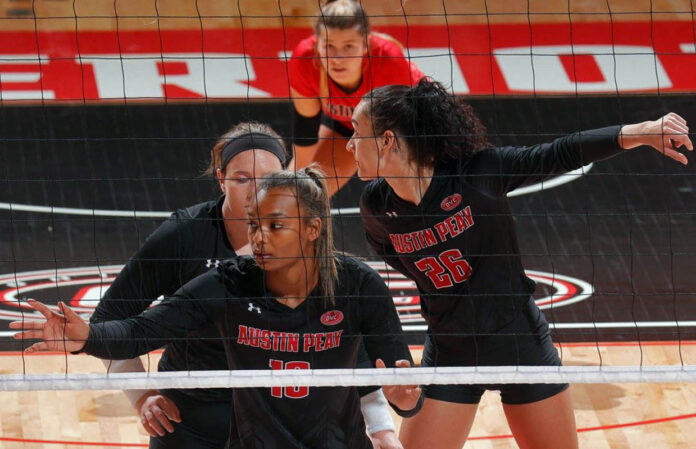Austin Peay State University Women's Volleyball faces rival Murray State Racers in battle for all-time series lead. (Robert Smith, APSU Sports Information)