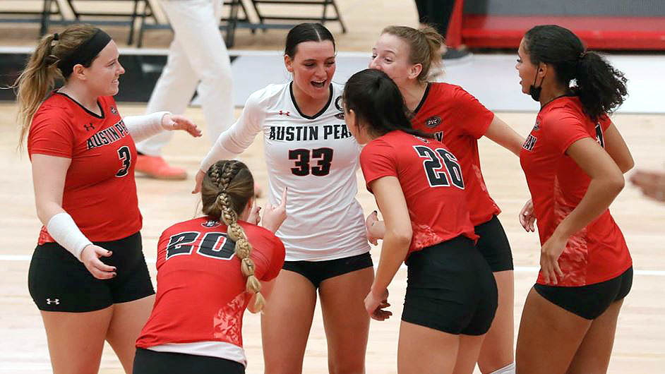 Austin Peay State University Women's Volleyball Teams beats the Murray State Racers in five-set thriller at the Dunn Center Wednesday night. (Robert Smith, APSU Sports Information)