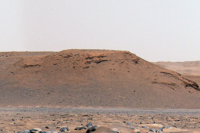 """The escarpment the science team refers to as """"Scarp a"""" is seen in this image captured by Perseverance rover's Mastcam-Z instrument on April 17th, 2021. (NASA/JPL-Caltech/ASU/MSSS)"""